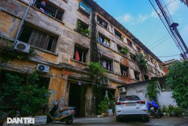 Cảnh sống ám ảnh trong nhà tập thể ổ chuột giữa đất vàng Thủ đô - 2