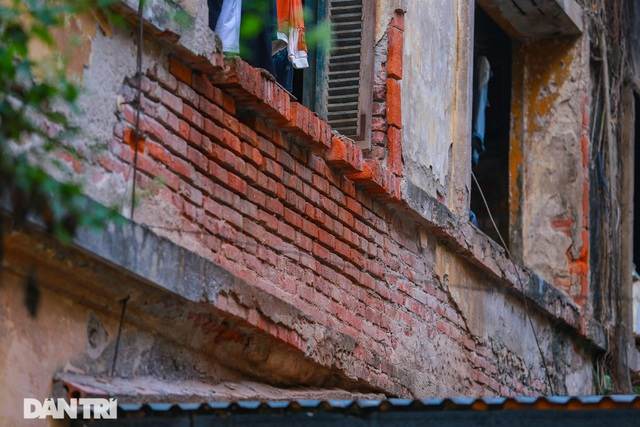 Cảnh sống ám ảnh trong nhà tập thể ổ chuột giữa đất vàng Thủ đô - 6