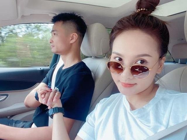 Diễn viên Bảo Thanh úp mở tiết lộ giới tính con thứ hai - 2