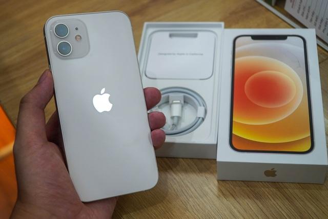 Giá iPhone 12 xách tay liên tục giảm nhưng vẫn đắt hơn máy chính hãng - 2