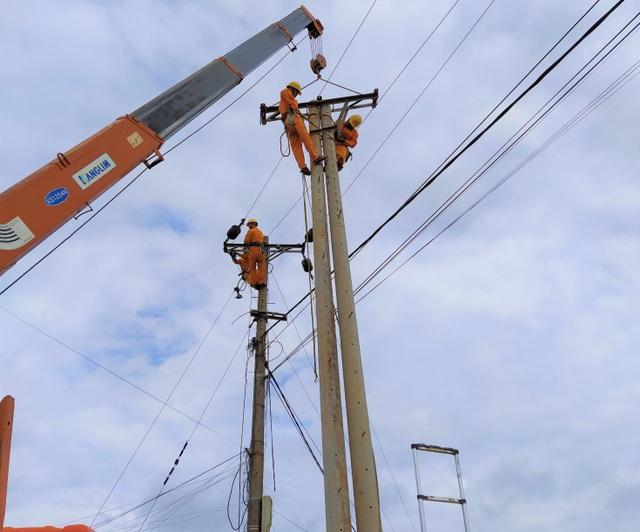 Đảm bảo cấp điện trong suốt Lễ hội thổ cẩm Việt Nam lần 2 - 2