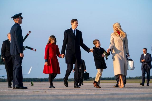 Đường nào rải hoa hồng cho ái nữ quyền lực nhà Trump hậu Nhà Trắng? - 1