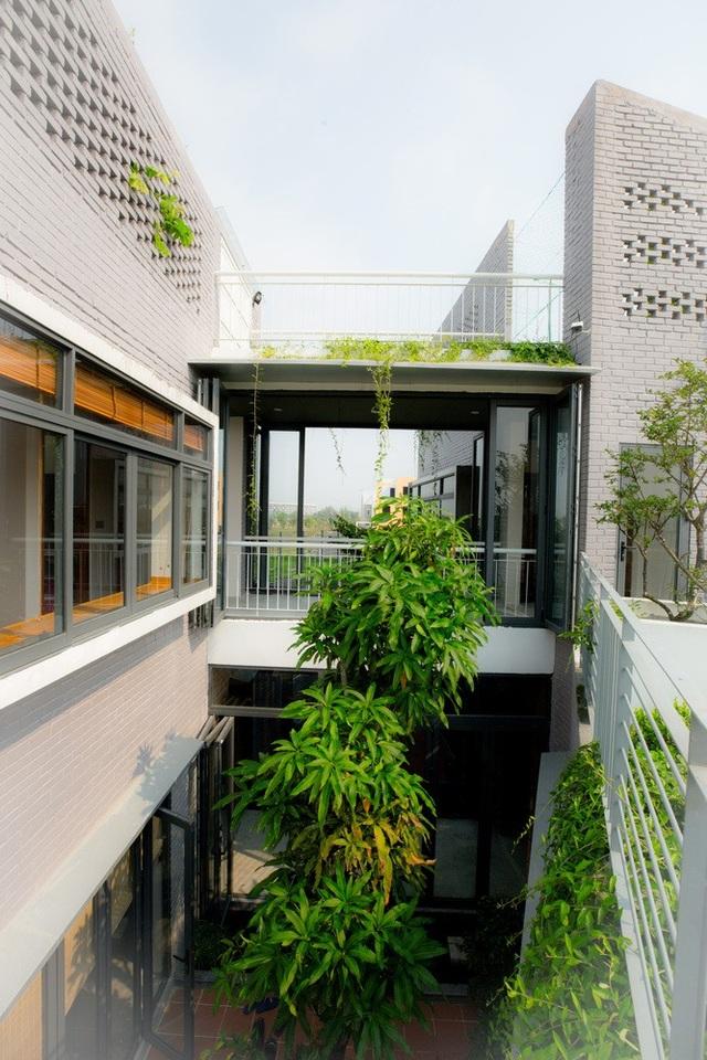 Ngôi nhà có 6 khoảng sân vườn, đẹp như tứ hợp viện ở Đà Nẵng - 3