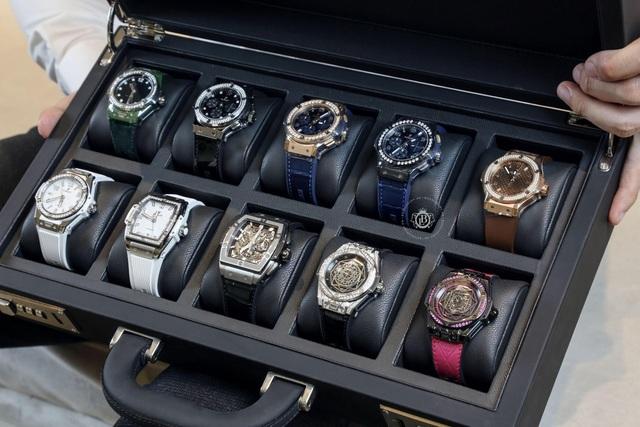 Top 3 mẫu đồng hồ sở hữu sắc màu đột phá mới tại Boss Luxury - 1