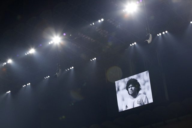 Người hâm mộ thế giới khóc thương tiễn biệt Maradona - 6
