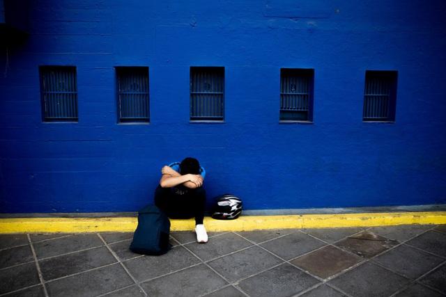 Người hâm mộ thế giới khóc thương tiễn biệt Maradona - 1