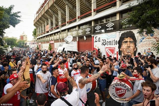 Hé lộ câu nói cuối cùng của huyền thoại Maradona trước khi qua đời - 2