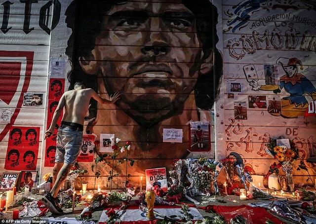 Người dân Argentina buồn vô hạn trong lễ viếng Maradona - 11