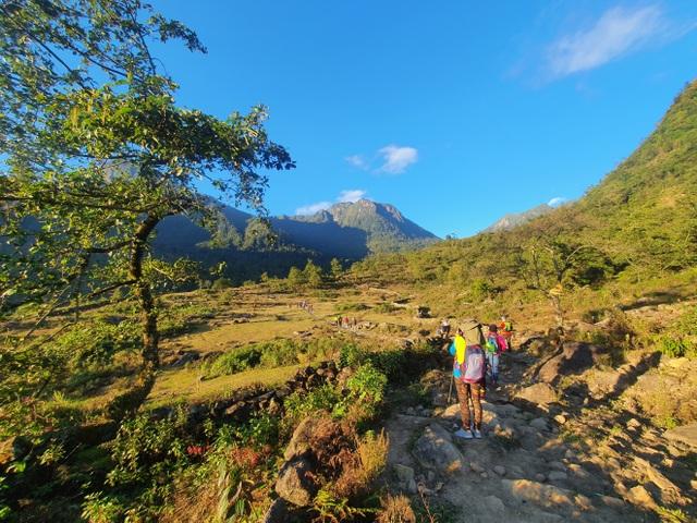Cảnh đẹp níu chân người trên cung leo Nhìu Cồ San và đường đá cổ Pavie - 12
