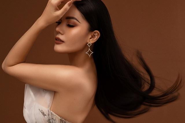Hoa hậu Kim Nguyên khoe dáng gợi cảm - 5