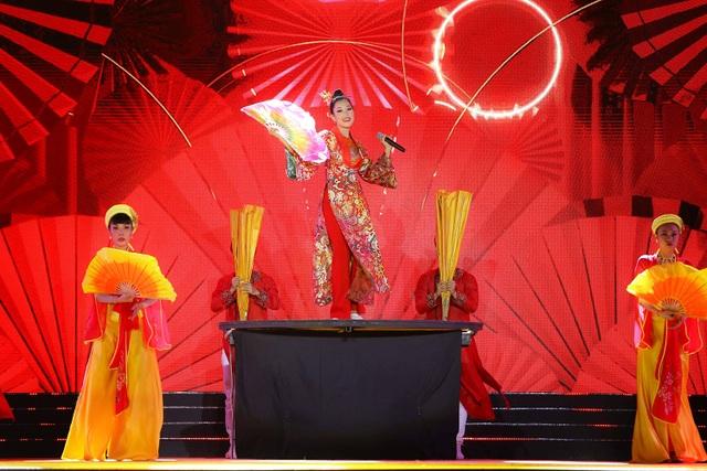 Sau tuyên bố giải nghệ, Tuấn Hưng lần đầu diễn tại Bán kết Hoa khôi Du lịch - 8