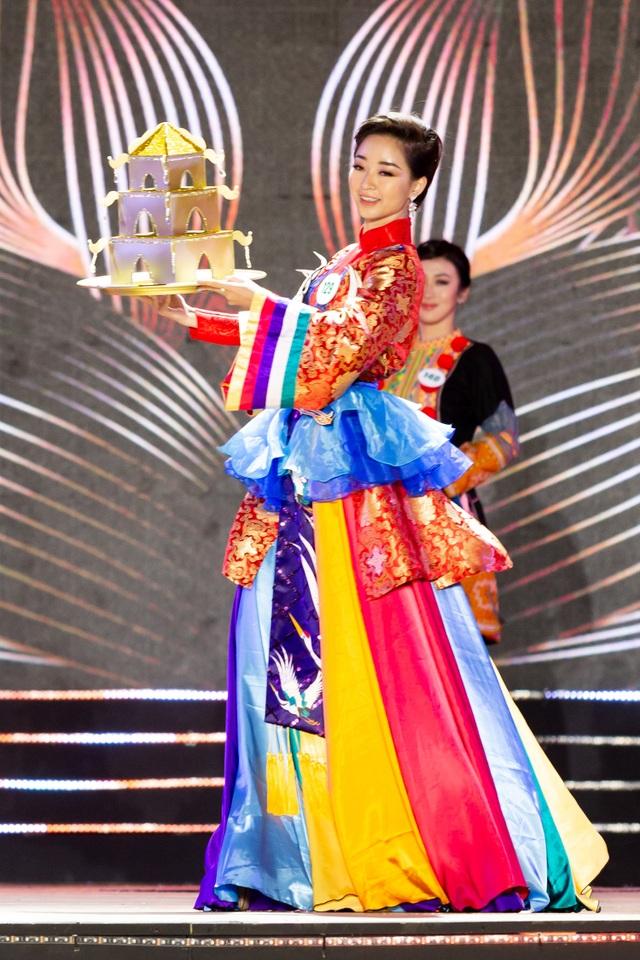 Sau tuyên bố giải nghệ, Tuấn Hưng lần đầu diễn tại Bán kết Hoa khôi Du lịch - 6