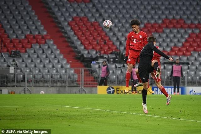 Lewandowski lập công, Bayern Munich đoạt vé đi tiếp ở Champions League - 4