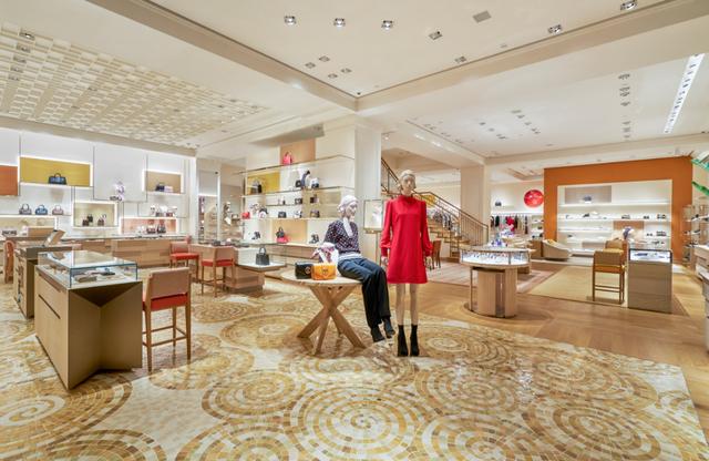 Louis Vuitton thắp sáng Thủ đô Hà Nội với cửa hàng mới:  Hoành tráng hơn, lộng lẫy hơn - 2