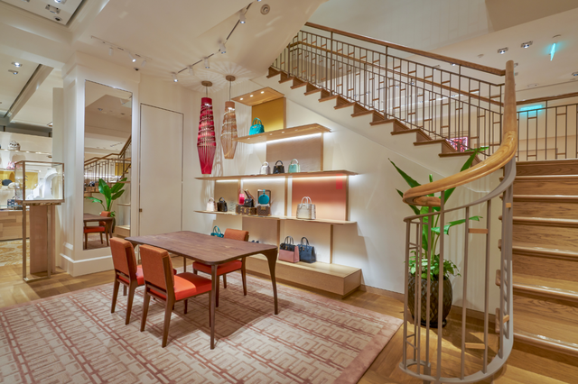 Louis Vuitton thắp sáng Thủ đô Hà Nội với cửa hàng mới:  Hoành tráng hơn, lộng lẫy hơn - 3