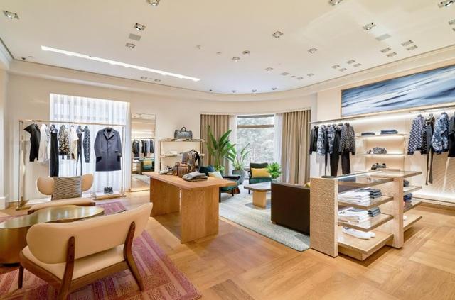 Louis Vuitton thắp sáng Thủ đô Hà Nội với cửa hàng mới:  Hoành tráng hơn, lộng lẫy hơn - 8