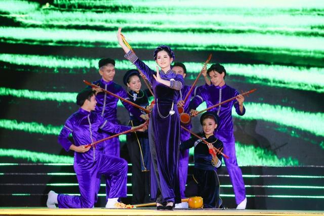 Sau tuyên bố giải nghệ, Tuấn Hưng lần đầu diễn tại Bán kết Hoa khôi Du lịch - 9