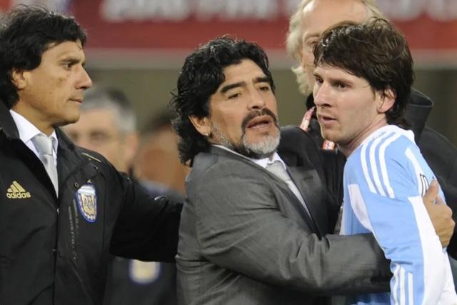 Những khoảnh khắc đáng nhớ trong sự nghiệp của Diego Maradona - 11