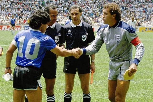 Những khoảnh khắc đáng nhớ trong sự nghiệp của Diego Maradona - 2