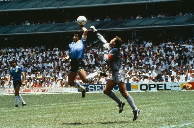 Những khoảnh khắc đáng nhớ trong sự nghiệp của Diego Maradona - 3