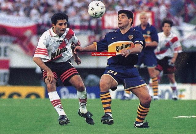 Những khoảnh khắc đáng nhớ trong sự nghiệp của Diego Maradona - 9