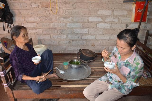 Thương hai người phụ nữ nghèo sống lay lắt, mơ một bữa cơm có thịt - 4