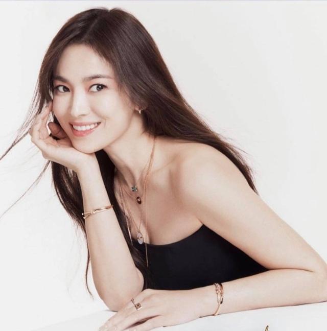 Nhan sắc nổi bật thời đi học của Song Hye Kyo - 11