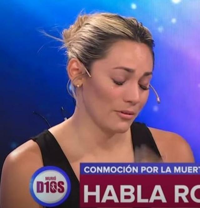 Bạn gái cũ rơi nước mắt vì không thể dự lễ viếng Maradona - 1