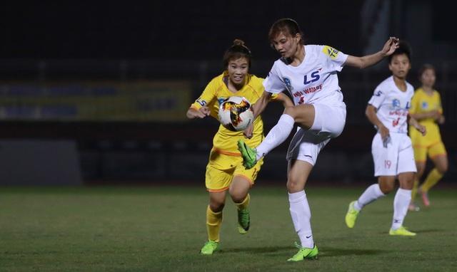 Đội nữ Hà Nội thắng sát nút PP Hà Nam tại giải bóng đá nữ vô địch quốc gia - 1
