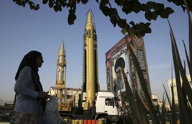 Lo Mỹ tấn công quân sự, Iran án binh bất động? - 1