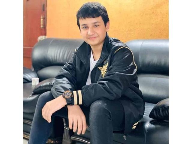 Nam sinh 14 tuổi đầu tiên tốt nghiệp đại học ngành Báo chí - Truyền thông - 1