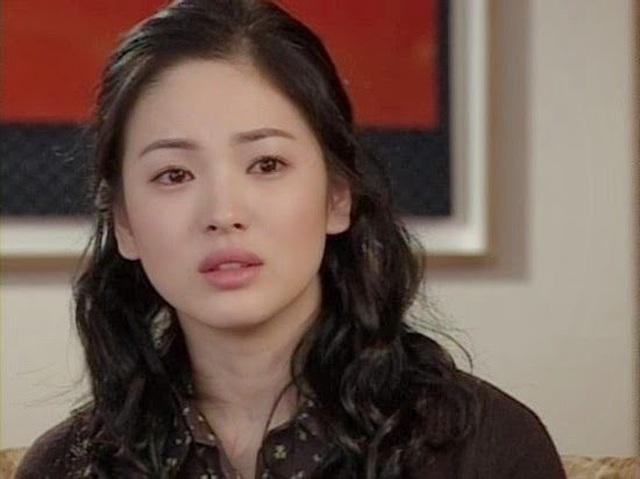 Nhan sắc nổi bật thời đi học của Song Hye Kyo - 4