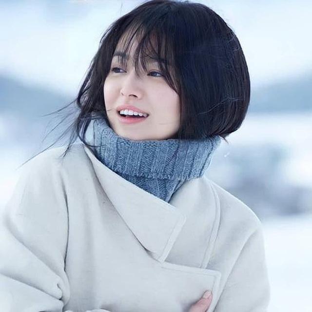 Nhan sắc nổi bật thời đi học của Song Hye Kyo - 12