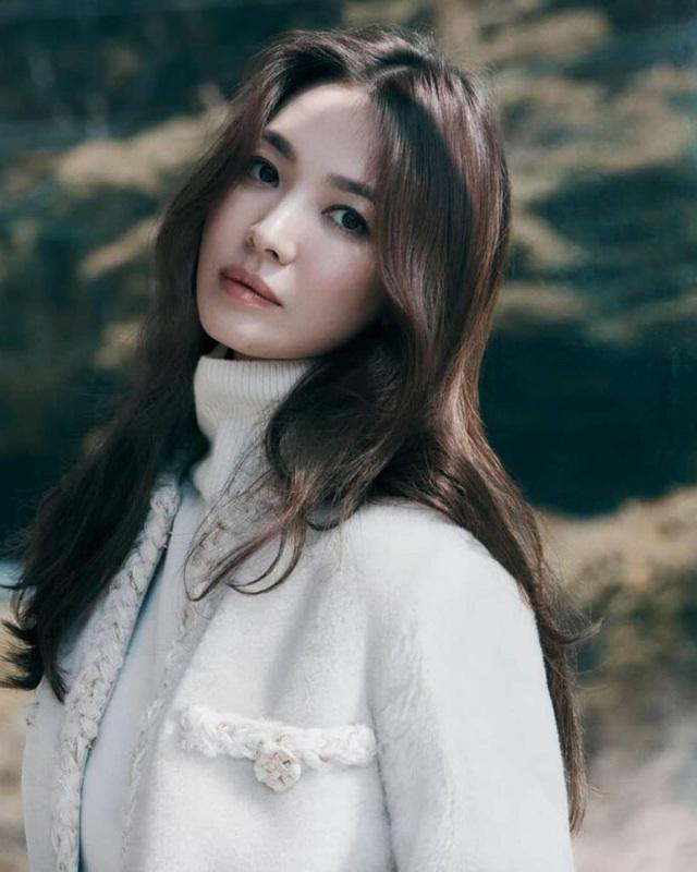 Nhan sắc nổi bật thời đi học của Song Hye Kyo - 13