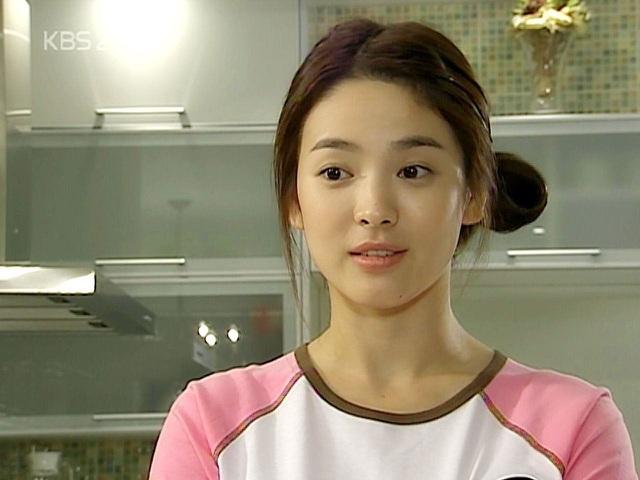 Nhan sắc nổi bật thời đi học của Song Hye Kyo - 5