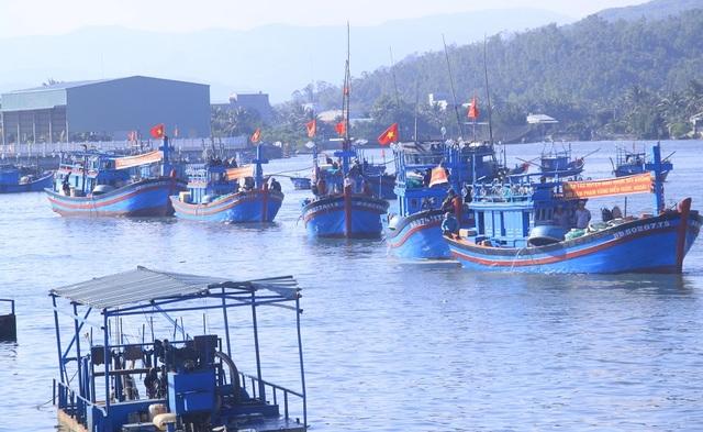 2 tàu cá bị xóa số đăng ký vì vi phạm vùng biển Malaysia - 1