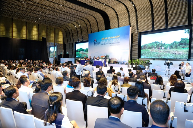 Phó Thủ tướng Vũ Đức Đam: Nắm tay nhau cùng hành động vì du lịch VN - 1