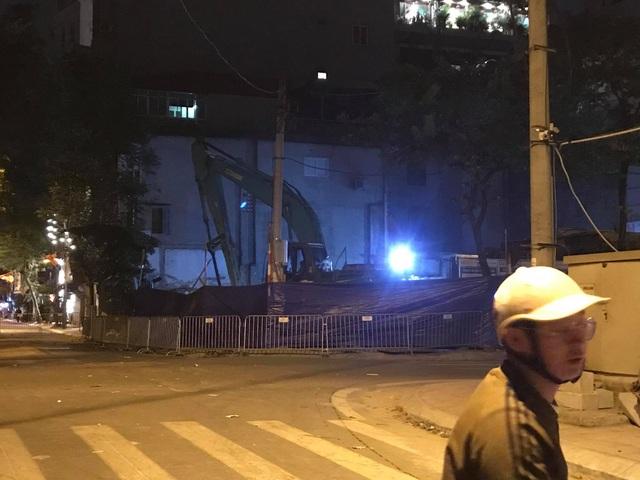 Hà Nội: Phát hiện quả bom nặng 340 kg tại công trình ở phố Cửa Bắc - 2