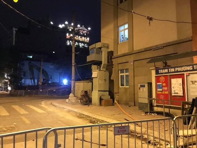 Hà Nội: Phát hiện quả bom nặng 340 kg tại công trình ở phố Cửa Bắc - 3