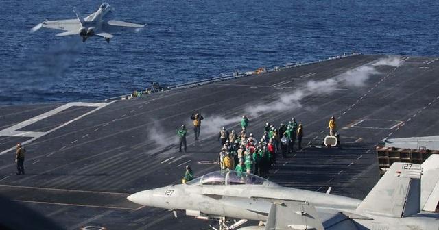 Mỹ triển khai tàu sân bay đến Vùng Vịnh giữa lúc căng thẳng leo thang - 1