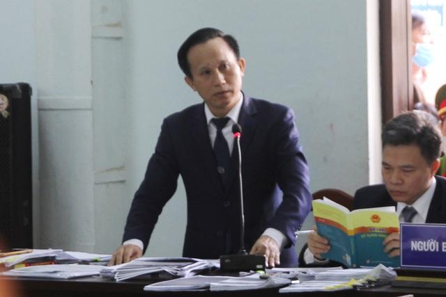Tranh luận nảy lửa tại phiên tòa xử bác sĩ bị cáo buộc hiếp dâm - 8