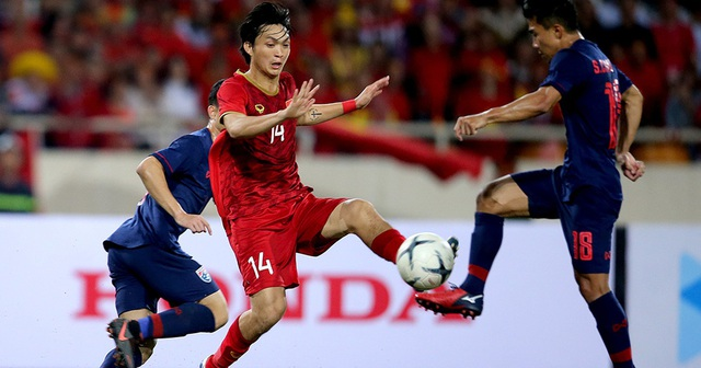 Hàng tiền vệ vẫn là bệ phóng của đội tuyển Việt Nam - 1