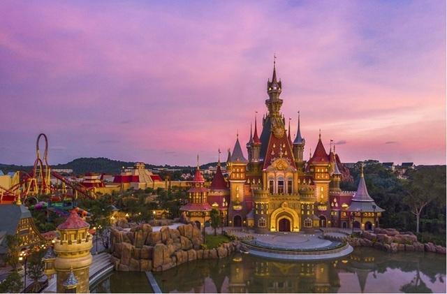 Grand World Phú Quốc có vượt mặt các ông trùm du lịch Sentosa hay Ibiza? - 3