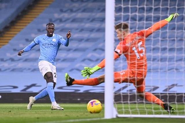 Man City 5-0 Burnley: Chủ nhà mở tiệc bàn thắng - 4
