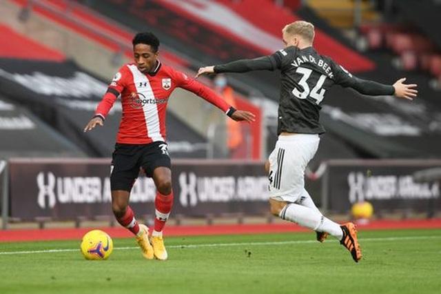 Southampton 2-3 Man Utd: Điểm 10 cho Cavani - 14