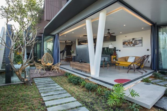 Vợ chồng ở Đà Nẵng đổ đất làm vườn tuyệt đẹp trên sân thượng căn biệt thự - 6