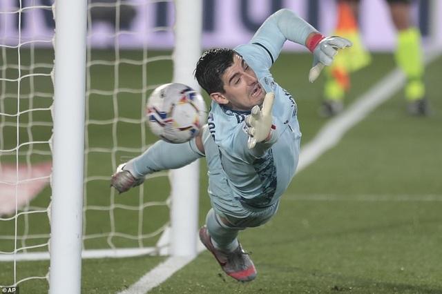 Real Madrid thua đau đớn Alaves ngay tại Bernabeu - 1