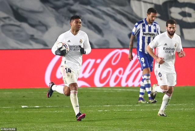 Real Madrid thua đau đớn Alaves ngay tại Bernabeu - 9