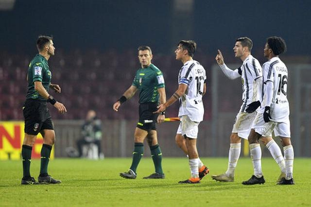 Vắng C.Ronaldo, Juventus gây thất vọng trước đội bóng tí hon - 4