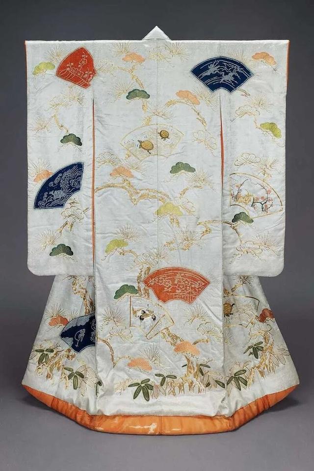 Chiêm ngưỡng họa tiết 4 mùa tuyệt sắc của kimono Nhật Bản - 13